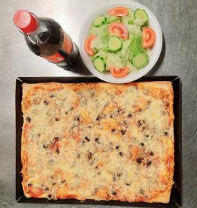 Menü 3: 1 Familienpizza