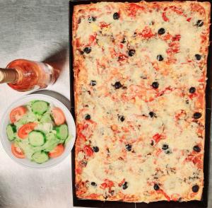 Menü 4: 1 Partypizza